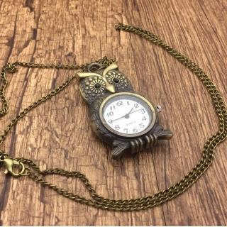 Montre collier hibou vintage