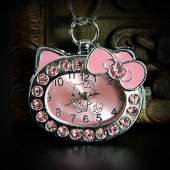 "Montre collier ""Hello Kitty"" fond rose"