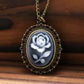 """Montre collier """"Resin Flower"""" bleu"""