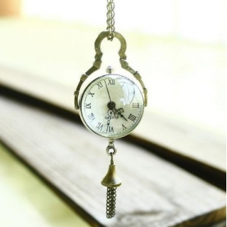 Montre collier fisheye