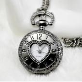 Mini montre gousset noire coeur